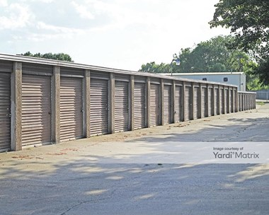 Storage Units for Rent available at 3031 Wagon Wheel Road, Garland, TX 75044 Photo Gallery 1