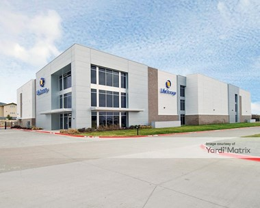 Storage Units for Rent available at 4800 Windhaven Pkwy, Lewisville, TX 76056 Photo Gallery 1