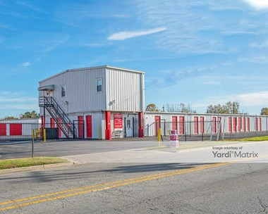 Storage Units for Rent available at 204 Moore Avenue, Suffolk, VA 23434 Photo Gallery 1