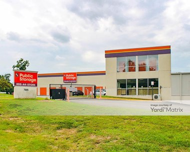 Storage Units for Rent available at 7685 Pohick Road, Lorton, VA 22079 Photo Gallery 1