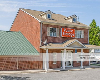 Storage Units for Rent available at 7208 Fordson Road, Alexandria, VA 22306 Photo Gallery 1