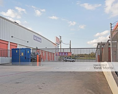 Storage Units for Rent available at 4901 Brentwood Stair Road, Fort Worth, TX 76103 Photo Gallery 1