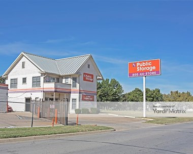 Storage Units for Rent available at 1001 West Beach Street, Fort Worth, TX 76111 Photo Gallery 1