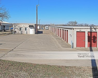 Storage Units for Rent available at 202 Shelby Road, Everman, TX 76140 Photo Gallery 1