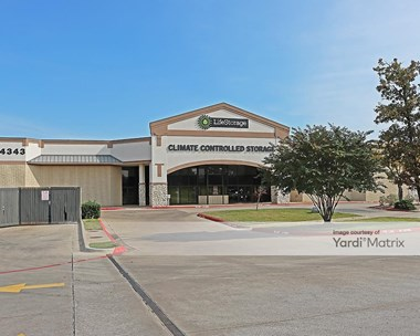 Storage Units for Rent available at 4255 South Bowen Road, Arlington, TX 76016 Photo Gallery 1