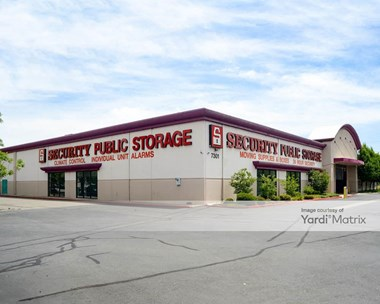 Storage Units for Rent available at 7301 Franklin Blvd, Sacramento, CA 95823 Photo Gallery 1