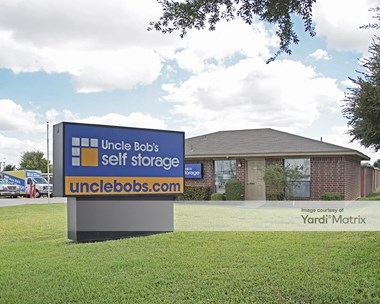 Storage Units for Rent available at 1620 East Lamar Blvd, Arlington, TX 76011 Photo Gallery 1