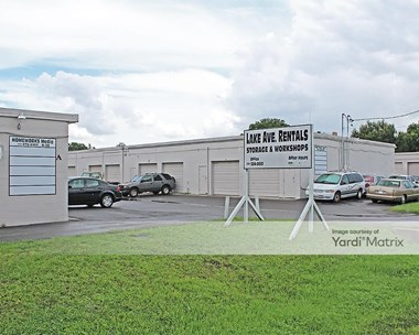 Storage Units for Rent available at 2297 Lake Avenue SE, Largo, FL 33771 Photo Gallery 1