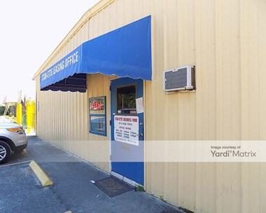 Storage Units for Rent available at 5805 North 50Th Street, Tampa, FL 33610 Photo Gallery 1