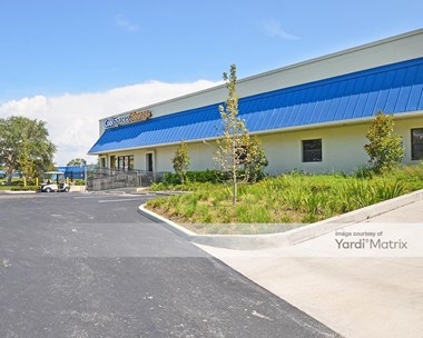Storage Units for Rent available at 7470 30th Avenue North, St Petersburg, FL 33710 Photo Gallery 1