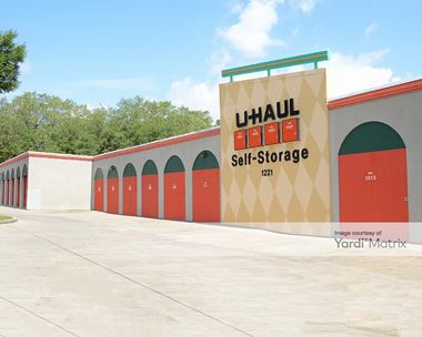 Storage Units for Rent available at 1221 East Semoran Blvd, Apopka, FL 32703 Photo Gallery 1