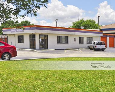 Storage Units for Rent available at 3900 West Colonial Drive, Orlando, FL 32808 Photo Gallery 1