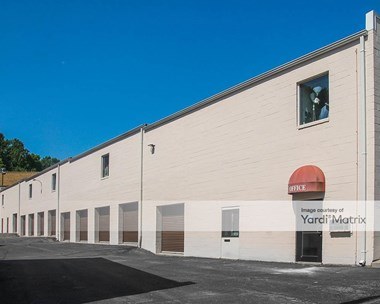 Storage Units for Rent available at 12040 Parklawn Drive, Rockville, MD 20852 Photo Gallery 1