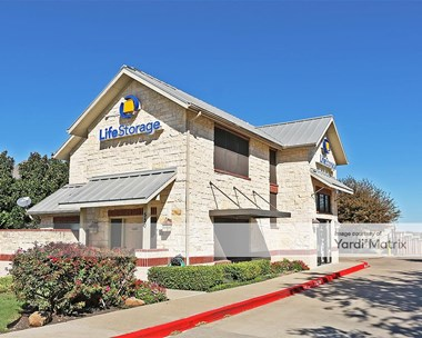 Storage Units for Rent available at 550 North Custer Road, Mckinney, TX 75071 Photo Gallery 1