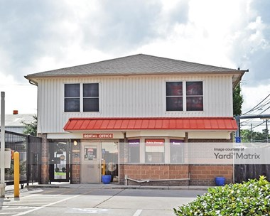 Storage Units for Rent available at 1321 West 5Th Street, Austin, TX 78703 Photo Gallery 1