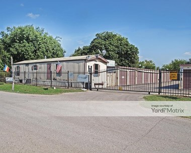 Storage Units for Rent available at 2725 Lyle Road, Del Valle, TX 78617 Photo Gallery 1