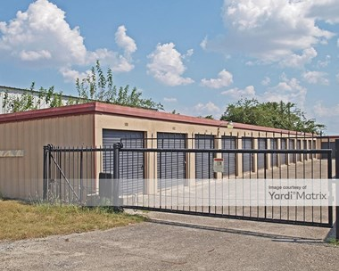 Storage Units for Rent available at 209 Commercial Drive, Taylor, TX 76574 Photo Gallery 1