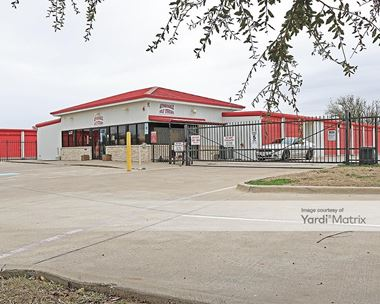Storage Units for Rent available at 1502 North Nolan River Road, Cleburne, TX 76033 Photo Gallery 1