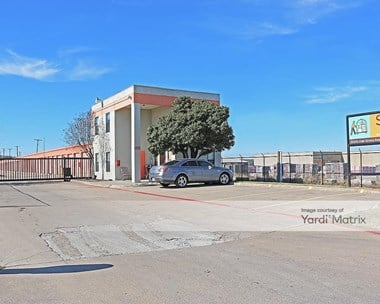 Storage Units for Rent available at 9200 Oak Grove Road, Fort Worth, TX 76140 Photo Gallery 1