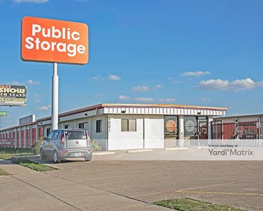 Storage Units for Rent available at 8801 West Fwy, Fort Worth, TX 76116 Photo Gallery 1