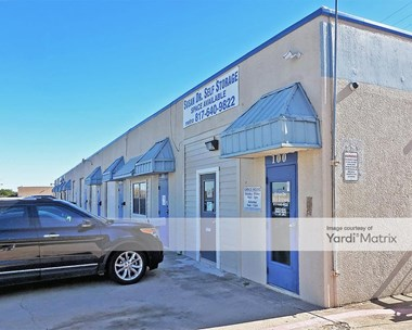 Storage Units for Rent available at 3000 Pinewood Drive, Arlington, TX 76010 Photo Gallery 1