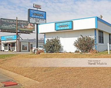Storage Units for Rent available at 1648 NW Parkway, Azle, TX 76020 Photo Gallery 1