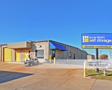 Storage Units for Rent available at 1061 Duncan Perry Road, Arlington, TX 76011 Photo Gallery 1