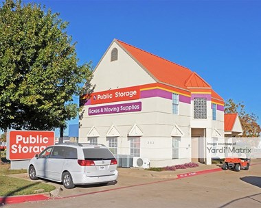 Storage Units for Rent available at 2531 South Cooper Street, Arlington, TX 76015 Photo Gallery 1