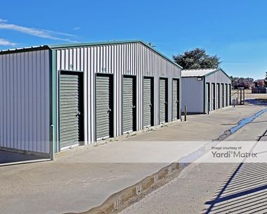Storage Units for Rent available at 1433 Plaza Drive North, Granbury, TX 76048 Photo Gallery 1