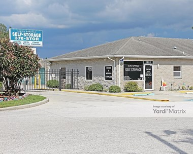 Storage Units for Rent available at 2852 Seven Springs Blvd, New Port Richey, FL 34655 Photo Gallery 1