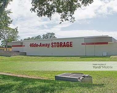 Storage Units for Rent available at 3950 34Th Street South, St. Petersburg, FL 33711 Photo Gallery 1