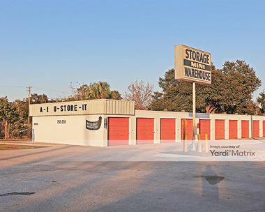 Storage Units for Rent available at 3010 James L Redman Pkwy, Plant City, FL 33566 Photo Gallery 1