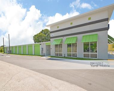 Storage Units for Rent available at 13880 Walsingham Road, Largo, FL 33774 Photo Gallery 1