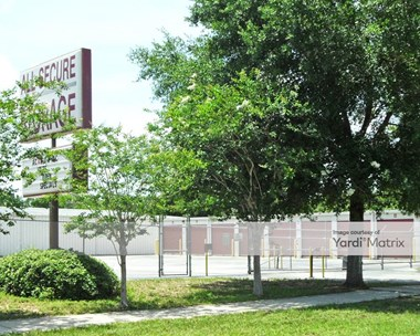 Storage Units for Rent available at 621 Huffstetler Road, Eustis, FL 32726 Photo Gallery 1