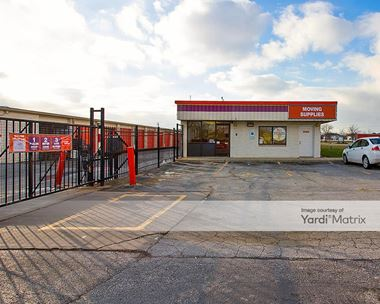 Storage Units for Rent available at 2345 173rd Street, Lansing, IL 60438 Photo Gallery 1