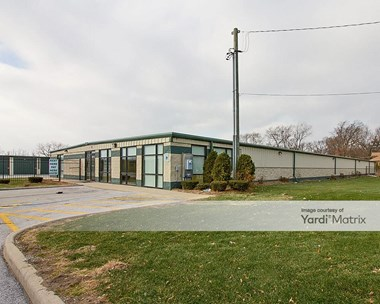Storage Units for Rent available at 14900 Woodlawn Avenue, Dolton, IL 60419 Photo Gallery 1