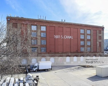 Storage Units for Rent available at 1601 South Canal Street, Chicago, IL 60616 Photo Gallery 1