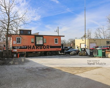 Storage Units for Rent available at 3632 Lake Avenue, Wilmette, IL 60091 Photo Gallery 1