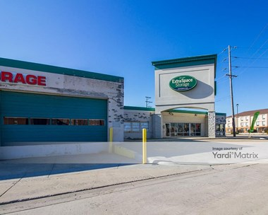 Storage Units for Rent available at 4821 West 67th Street, Bedford Park, IL 60638 Photo Gallery 1