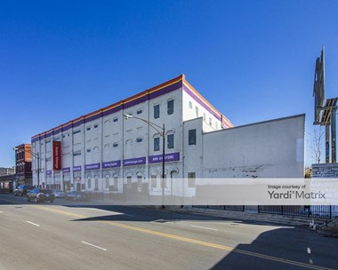 Storage Units for Rent available at 1711 West Fullerton Avenue, Chicago, IL 60614 Photo Gallery 1