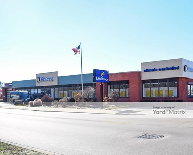 Storage Units for Rent available at 5860 North Pulaski Road, Chicago, IL 60646 Photo Gallery 1