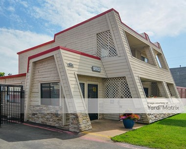 Storage Units for Rent available at 304 West Airport Fwy, Irving, TX 75062 Photo Gallery 1