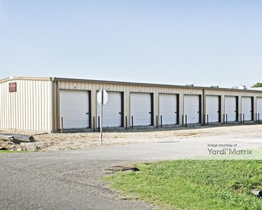 Storage Units for Rent available at 203 North Sherman Street, Palmer, TX 75152 Photo Gallery 1