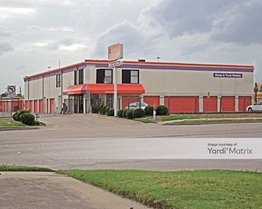 Storage Units for Rent available at 2801 Avenue K, Plano, TX 75074 Photo Gallery 1
