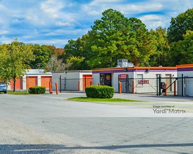 Storage Units for Rent available at 4805 Jefferson Davis Hwy, Richmond, VA 23234 Photo Gallery 1
