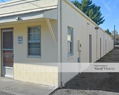 Storage Units for Rent available at 2452 Hayes Road, Hayes, VA 23072 Photo Gallery 1