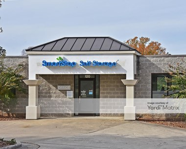 Storage Units for Rent available at 120 Centrewest Court, Cary, NC 27513 Photo Gallery 1