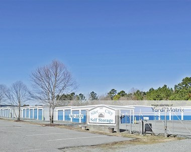 Storage Units for Rent available at 1407 East 11Th Street, Siler City, NC 27344 Photo Gallery 1