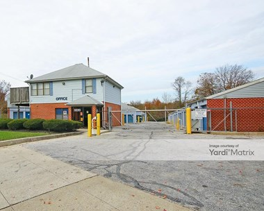 Storage Units for Rent available at 3220 Wilkens Avenue, Baltimore, MD 21229 Photo Gallery 1