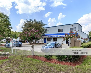 Storage Units for Rent available at 5535 Shad Road, Jacksonville, FL 32257 Photo Gallery 1